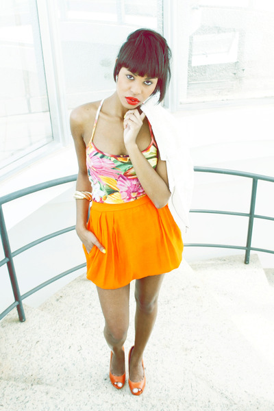 Orange-skirts-skirt-bubble-gum-floral-print-blouse_400