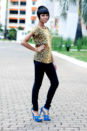 blue sandals - yellow casual animal print blouse - black black Jeans pants