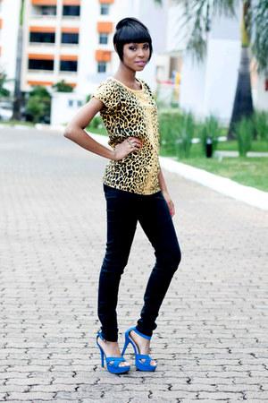 blue sandals - yellow casual animal print blouse - black black Jeans pants