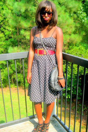 black polka dotted dress - white dress - black vintage chanel bag - black sandal
