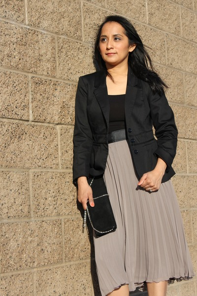 black H&M blazer - black clutch Aldo bag - heather gray pleated maxi H&M skirt