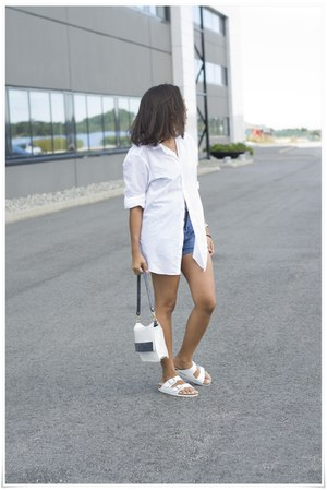 H&M shirt - Zara bag - BikBok shorts - Ray Ban sunglasses - Bickernstock sandals