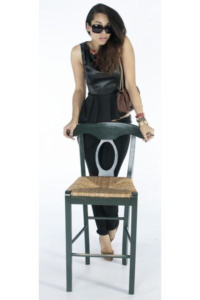 brown purse - black top - black pants - brown heels