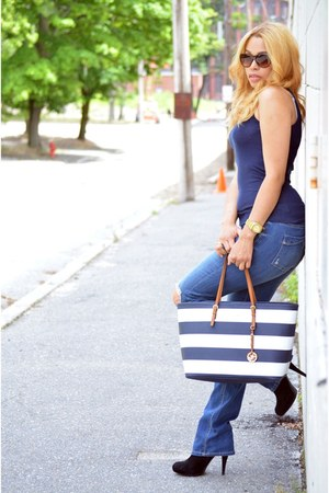 white Michael Kors bag - navy Express jeans - navy Forever21 t-shirt