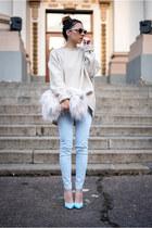 off white faux fur Front Row Shop bag - light blue kurtmann jeans