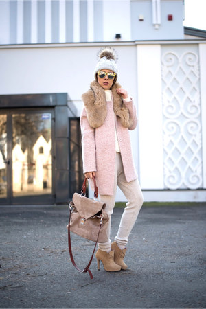 light pink Kapa Center coat - off white pants