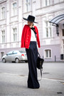 Red-blazer-black-magazin-up-pants