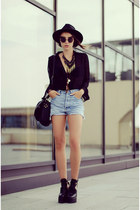black la moda shoes - black H&M hat - blue Levis shorts