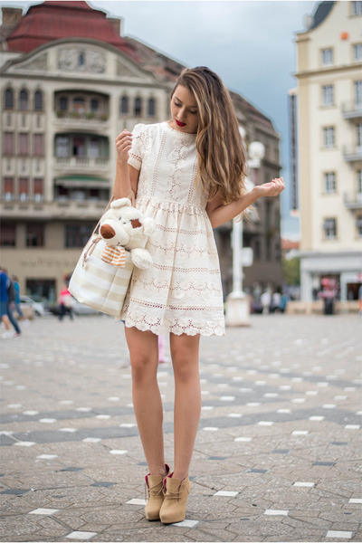 White-chicwish-dress