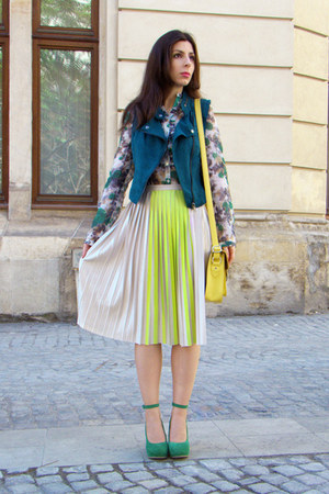 cream H&M skirt - green Tina R shirt - yellow New Yorker bag - teal H&M vest