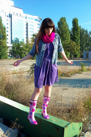 bubble gum Trespass boots - violet Only dress - sky blue Vero Moda shirt