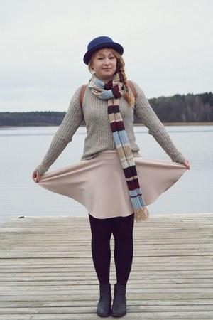 tan sweater - black boots - eggshell skirt