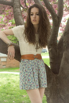 sky blue floral print banana republic shorts - brown lace up boots vintage boots