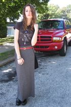 black Junk Food t-shirt - gray Express skirt - red vintage belt - black Salvator