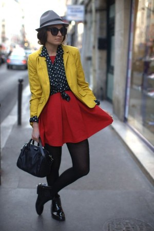 yellow blazer - heather gray hat - ruby red pants