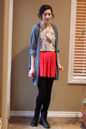 Yesstyle skirt - Dr Martens boots - Vero Moda t-shirt - Yesstyle cardigan