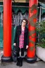 Black-stradivarius-bag-red-h-m-blouse