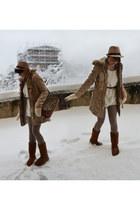ivory Piazza Italia sweater - tan Tally Weijl coat - tawny Secondhand bag