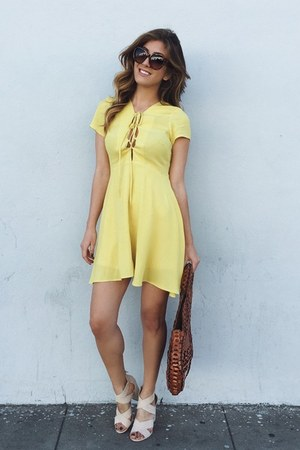 yellow Forever 21 dress - cream Forever 21 shoes - brown Patricia Nash bag
