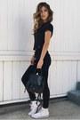 Black-frame-jeans-black-botkier-bag
