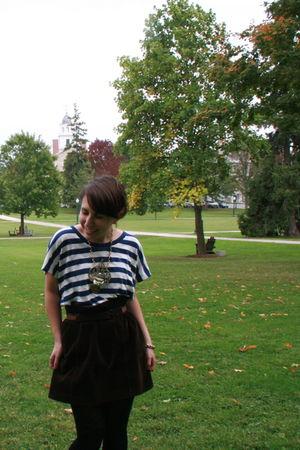 Millau t-shirt - J Crew skirt