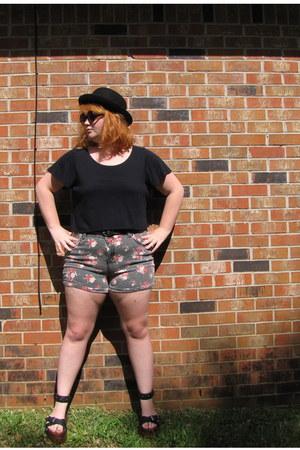 Forever 21 hat - Forever 21  shorts - t-shirt - sandals