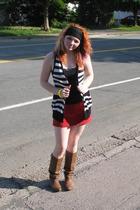 Reitmans top - Sirens vest - thrifted skirt - boots - ardenes accessories