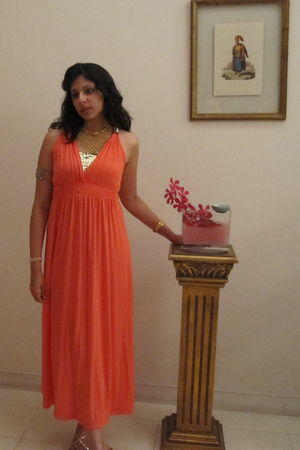 orange dress - gold accessories - gold shoes
