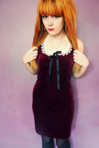 velvet vintage dress - lace collar Dorothy Perkins necklace