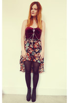 black floral H&M skirt - crimson velvet MinkPink intimate - black H&M wedges