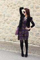 purple fringe bag - graphic dress - black Gucci sunglasses