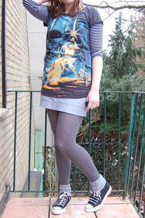 gray H&M shirt - gray H&M tights - blue H&M skirt - black Converse shoes