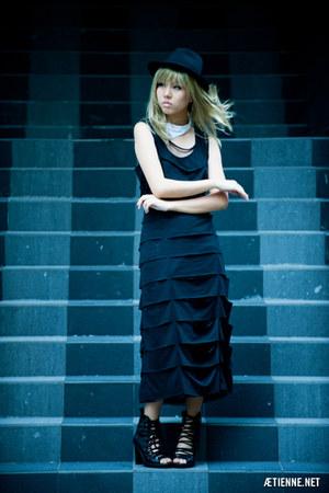 Furneese dress - DIY accessories