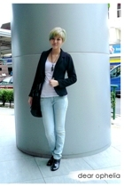 blazer - top - boots - accessories - jeans