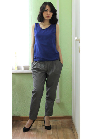 blue shiffon made by me top - heather gray 3 suisses pants