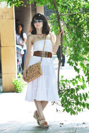 mustard Olivi bag - white cotton La Redoute skirt