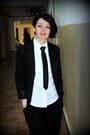 Black-angelfeather-blazer-black-silk-tie-terranova-tie-black-savage-pants