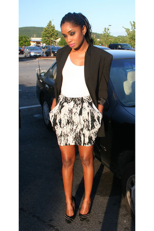 black H&M blazer - white H&M vest - black H&M skirt - black Steve Madden shoes