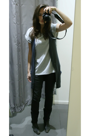 Newlook t-shirt - Newlook blazer - Zara jeans - Urban Outfitters boots