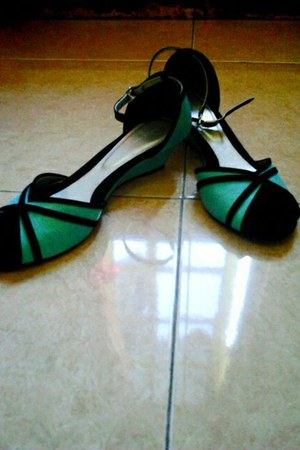 aquamarine wedges Yongki Komaladi shoes