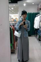 stripes Stradivarius dress - blue denim jacket Logo jacket - white leather Capri