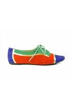 Shoe-shoes