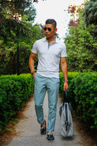 heather gray everlane bag - navy boat sperry shoes - white polo Express shirt
