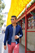 navy henley H&M shirt - beige boat shoes Cole Haan shoes
