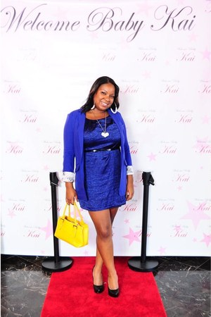 blue H&M dress - blue H&M blazer - yellow Aldo purse - black Carlos Santa pumps