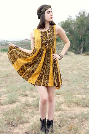 roper Ariat boots - animal print MinkPink dress - cheetah vintage scarf