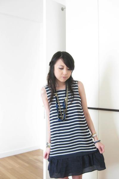 blue Zara dress - blue bonita necklace - gold Topshop necklace - blue diva brace