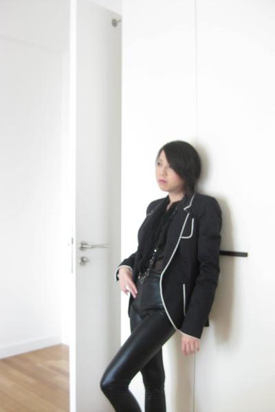 black Zara blouse - blue Zara blazer - black Dorothy Perkins leggings - blue Acc