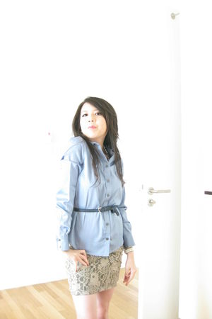 blue banana republic blouse - blue Topshop belt - beige Topshop skirt