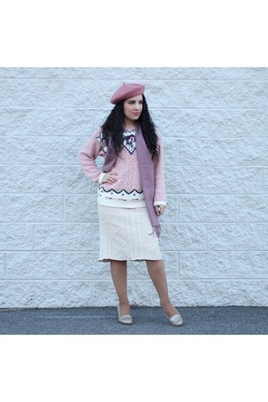 mauve beret hat - sweater - skirt